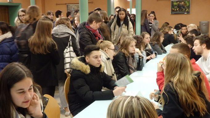 Lycée J.Puy forum des anciens 2.jpg