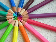 220px-Colored_pencils_chevre.jpg